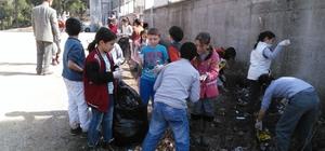 Balya' da öğrenciler çevre temizliği başlattı