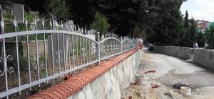 Büyükşehir, mezarlıklarda bakım çalışması yapıyor