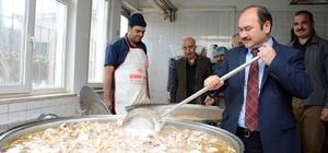 Alaca Belediyesi'nden günlük 4500 kişiye sıcak yeme
