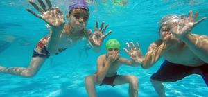 Denizli'de 12 okula portatif yüzme havuzu
