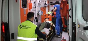 Halı sahada bacağına tel saplanan genç yaralandı