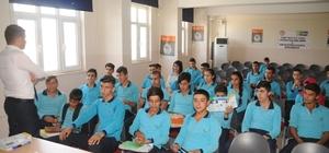 Cizre'de öğrencilere yönelik uyuşturucu konferansı devam ediyor