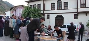 Osmaneli Belediyesinin mahalle iftarları başladı