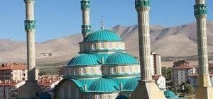Niğde'nin en büyük camisine yoğun ilgi