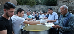Kaymakam Adanur iftarını vatandaşlarla açtı