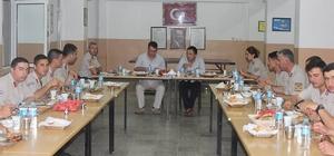 Süloğlu Kaymakamı askerlerle iftar yaptı