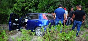 Kemer'de otomobil şarampole devrildi: 7 yaralı