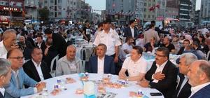 Zeytinburnu'nda 5 bin vatandaş iftar sofrasında buluştu