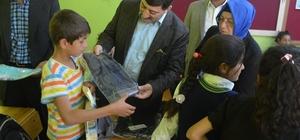 AK Parti'den ihtiyaç sahibi öğrencilere yardım