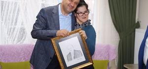 Bakan Işık'tan Cumhurbaşkanı Erdoğan'ın portresini çizen Gülşah'a ziyaret
