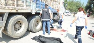 Motosiklet kamyonla çarpıştı: 1 ölü, 1 yaralı