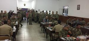 Başkan Seyfi Dingil orucunu Mehmetçikle açtı
