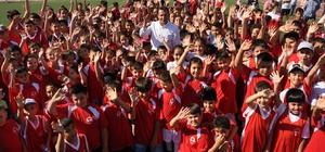 Menderes'te spor okullarına ücretsiz kayıtlar başladı