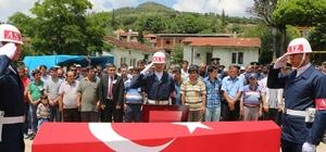 Vefat eden Pazarlarlı Kıbrıs gazisi askeri törenle toprağa verildi