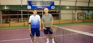 Merkezefendi'de tenis turnuvası heyecanı sürüyor