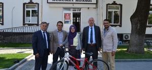 Alaçam'da TEOG birincisine bisiklet hediye edildi