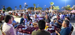 Başkan Böcek personeliyle iftar yaptı