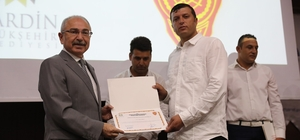 Mardin'de itfaiyecilere sertifikaları verildi
