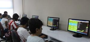 Kilis'te gençlere bilişim semineri