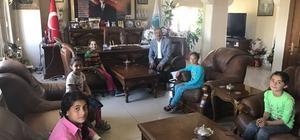 Çocuklar Belediye Başkanından üst geçit istedi