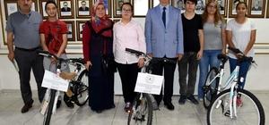 Başkan Kale, İncirliova'nın TEOG birincilerini ödüllendirdi