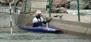 İranlı milli kanocu Yusufeli'de kamp yapıyor