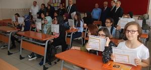 """Çorlu'da karne töreni - Çorlu Kaymakamı Levent Kılıç, """"Çorlu olarak eğitimde çok öndeyiz"""""""