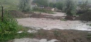 Sivrihisar ve Seyitgazi'de yağmur sele neden oldu