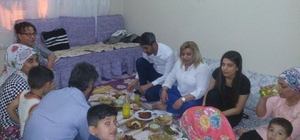 AK Parti Bağlar ilçe teşkilatı iftar ziyaretlerini sürdürüyor