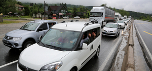 Bolu'da TEM Otoyolu'ndaki çalışmalar trafik yoğunluğuna neden oldu