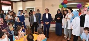 Beyoğlu'nda minik öğrencilerin ilk mezuniyet sevinci