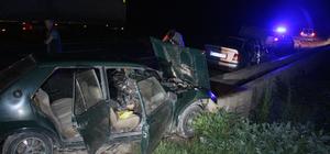 Sivas'ta iki otomobil çarpıştı: 3 yaralı