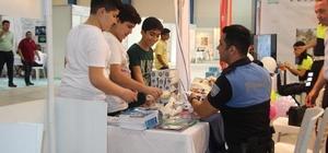 Mersin polisi, Bilim Şenliği'nde 6 bin 500 broşür dağıttı
