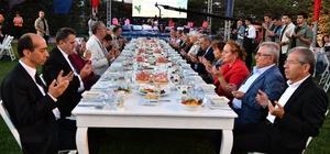 İzmir'de şükran buluşması