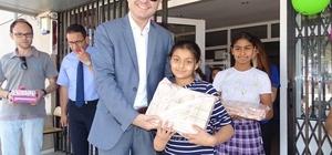 Acarlarlı başarılı öğrencilere tablet verildi