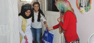 Üniversite öğrencilerinden yardıma muhtaç ailelere yardım