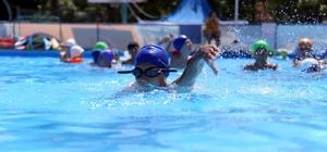 Merkezefendi'de yüzme kurslarına ilgi büyük