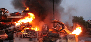 Konya'da hurda araç deposunda yangın