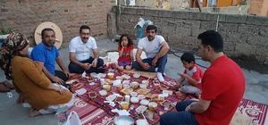 AK Parti Bağlar ilçe başkanlığı her akşam bir vatandaşa iftara gidiyor