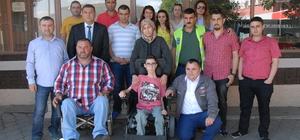 İşçilerden 17 yaşındaki engelliye hediye