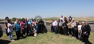 Ermeni vatandaşlardan atalarının mezarlarına ziyaret