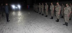 Vali Işın sahurda askerleri yalnız bırakmadı