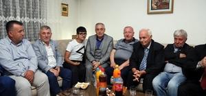 Başkan Aydın'dan hasta gence ziyaret