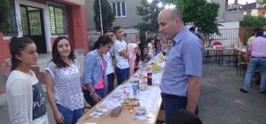 Kulp'ta TEOG'da dereceye giren öğrencilere yemek verildi