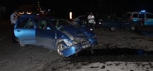 Kütahya'da 2 otomobil çarpıştı: 9 yaralı