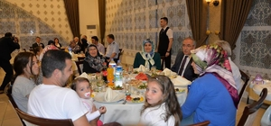Vali'den şehit ailelerine iftar