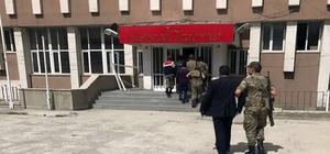 Pasinler'de silahlı kavga: 2 yaralı