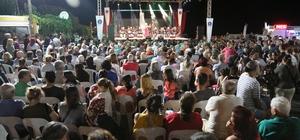 Çeşmealtı Gece Pazarı konserle açıldı