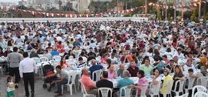 Büyükşehir, iftar sofrasını Erdemli'de kurdu