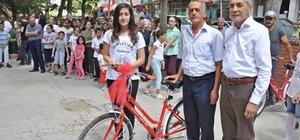 Gölbaşı Belediyesi birincileri bisikletle ödüllendirdi